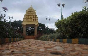 The Karnataka state government has decided to develop how many Kempegowda heritage sites located in Bengaluru and adjoining districts?